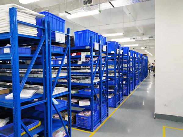 pvd镀膜厂家,真空镀膜厂家,森丰流程展示-1、来料仓