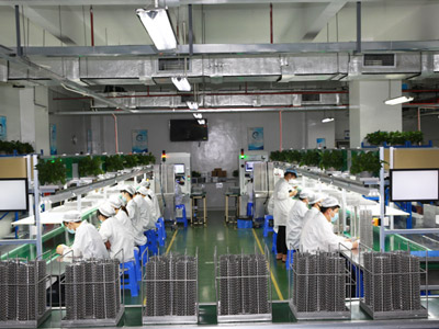 pvd镀膜厂家,真空镀膜厂家,森丰流程展示-3、清洗上挂